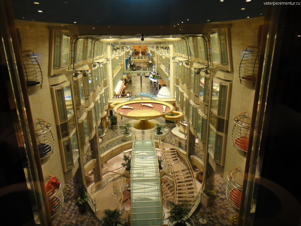 Independence of the Seas, интерьеры