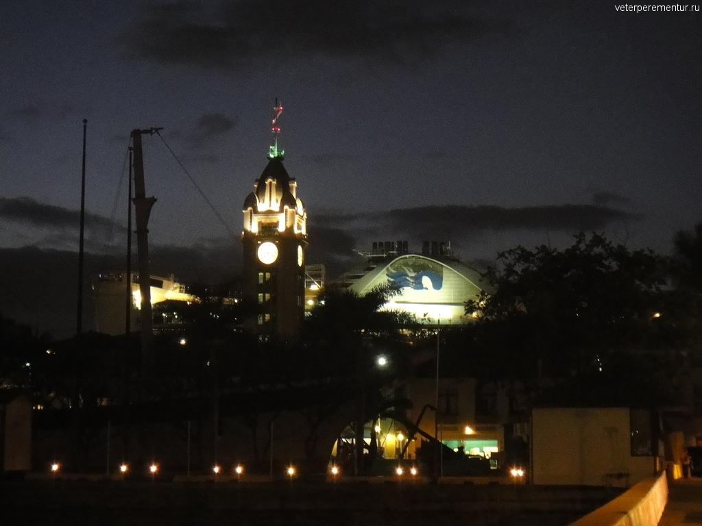 Алоха Тауэр, Гавайи