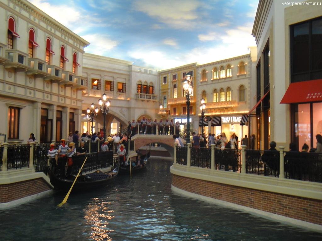 """Гондольеры в отеле """"Венеция"""", Лас Вегас"""