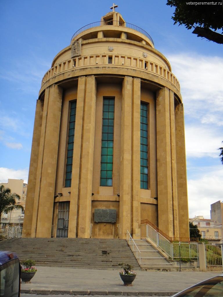 Chiesa Monumento Pantheon dei Caduti, Сиракузы