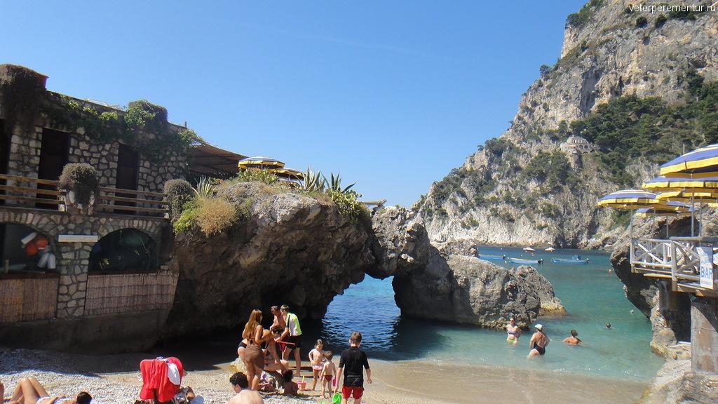 Пляж Марина Пикколо, Капри