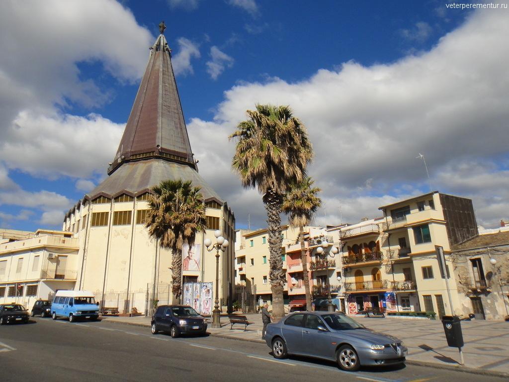 церковь в GIARDINI NAXO