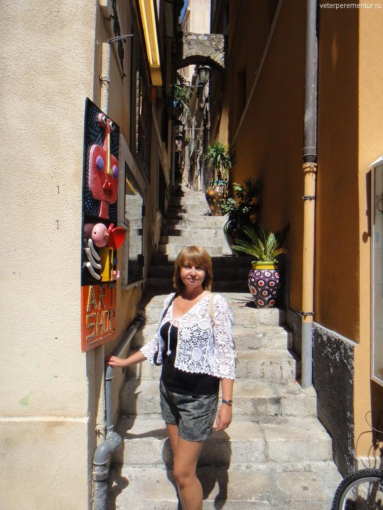 лестницы в Таормине, Сицилия