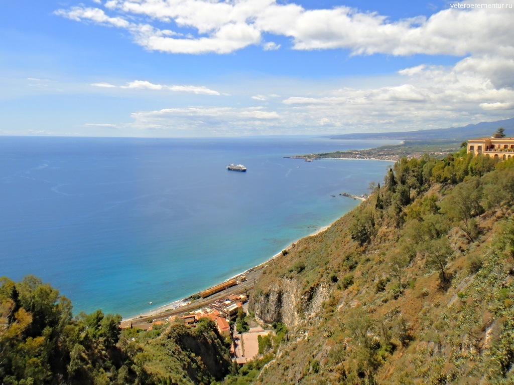 Azamara Quest на Сицилии
