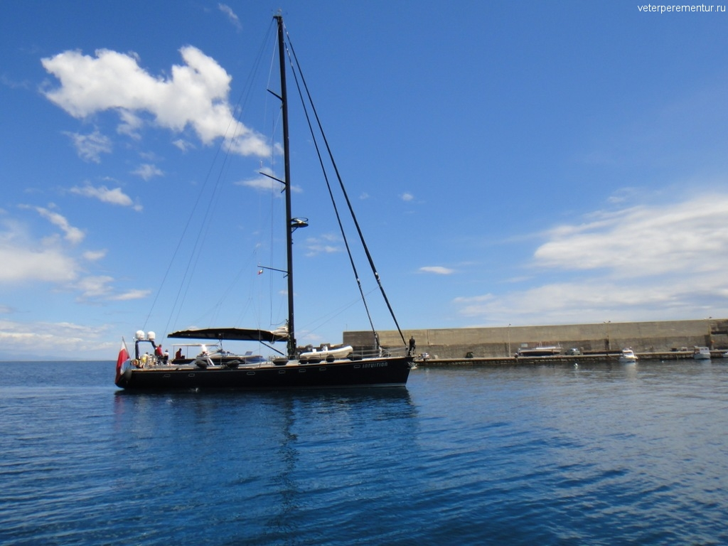 Яхта в GIARDINI NAXO, Сицилия