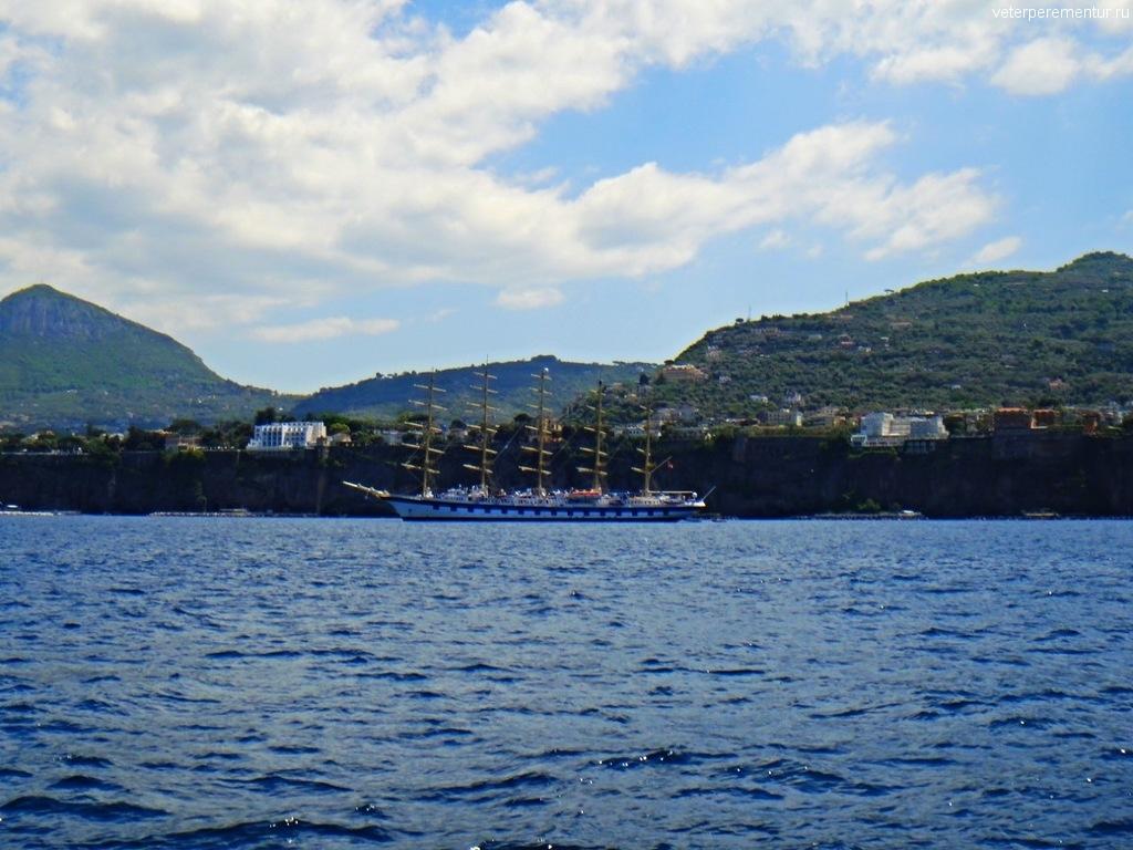 Виды на побережье на подходе к Сорренто