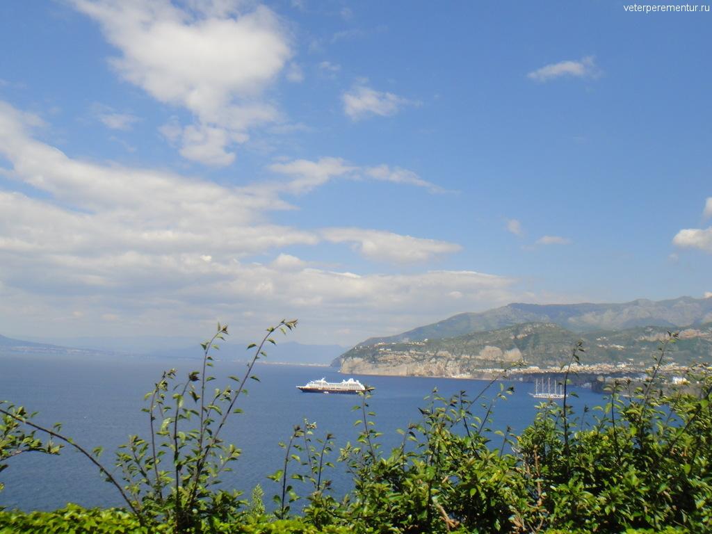 Амальфийское побережье, корабли на рейде