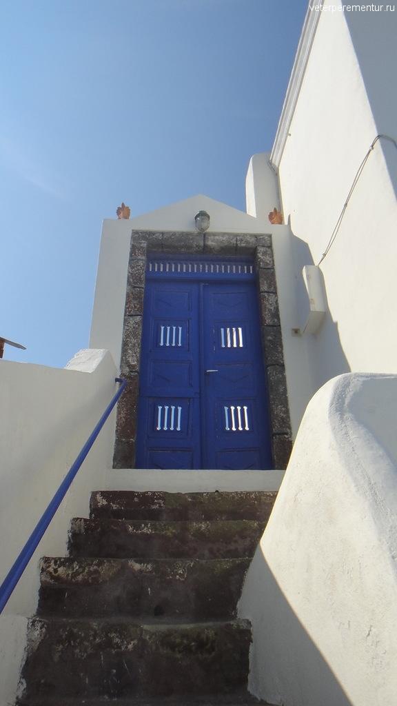 Двери на Санторини