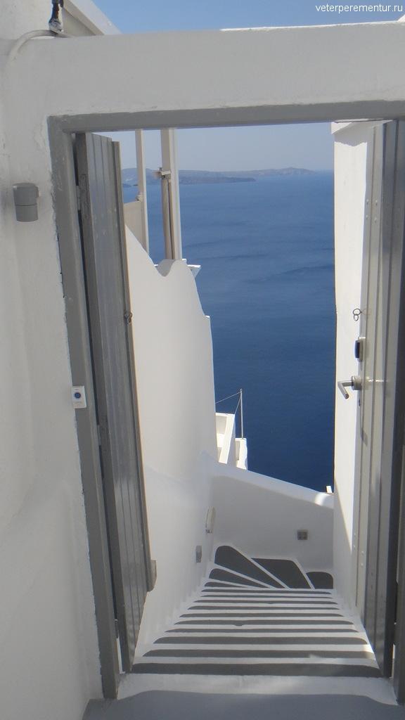 Двери на Санторини, Ойя