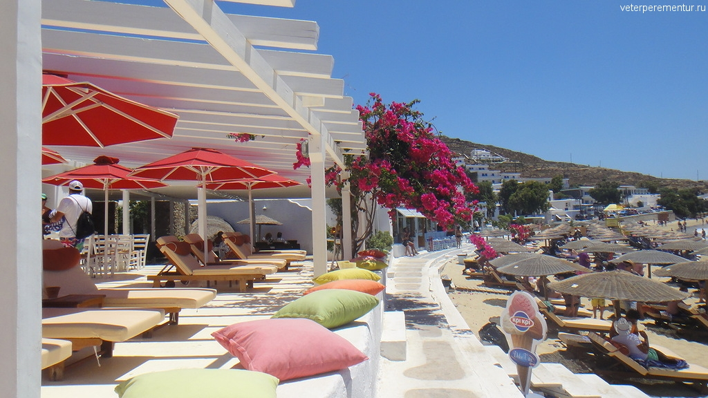 Миконос, пляж рядом с портом
