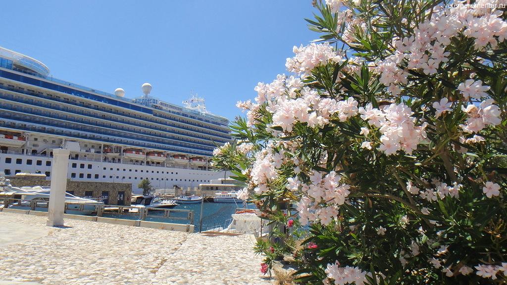 Порт на Миконосе