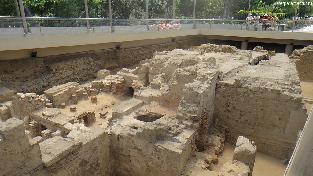 Раскопки, Афины