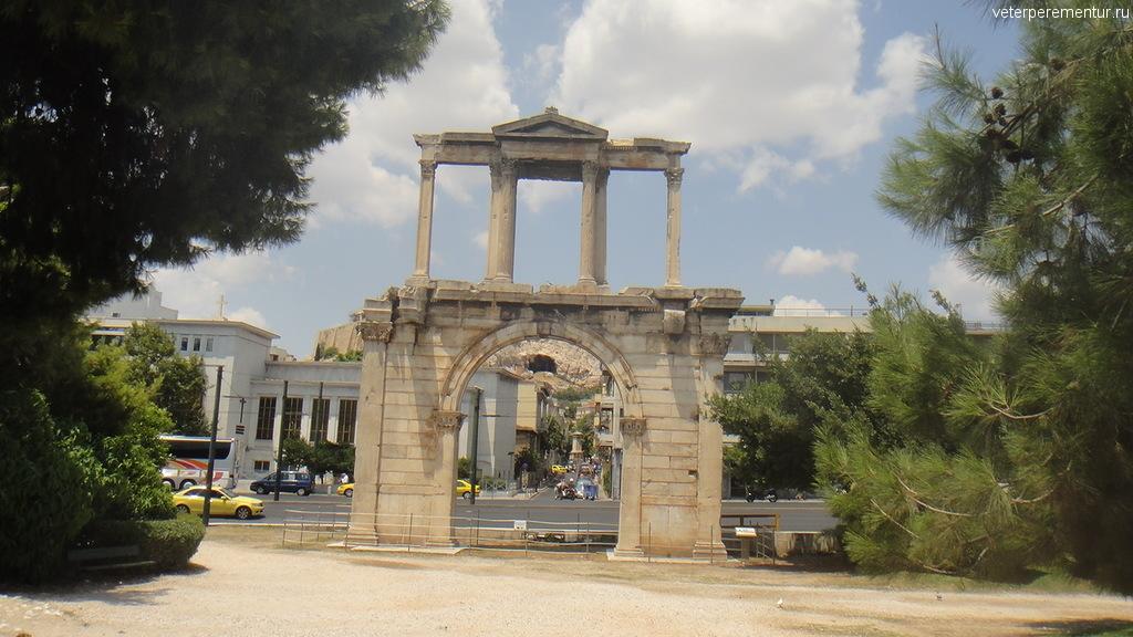 Арка Адриана, Афины