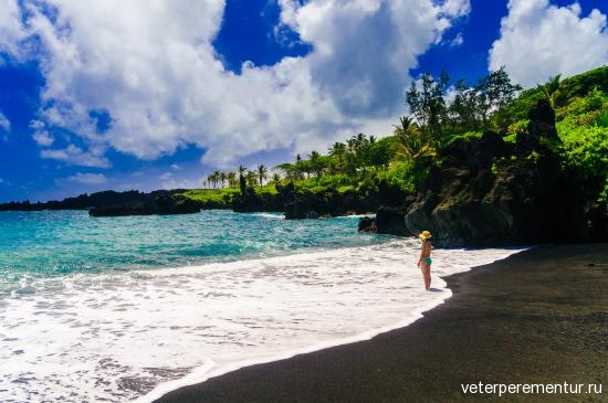 maui-black-sand-beach