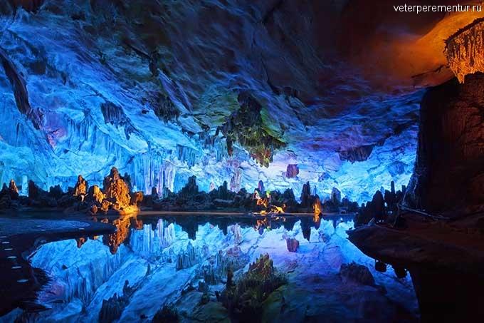 Пещера «Камышовой флейты», Китай