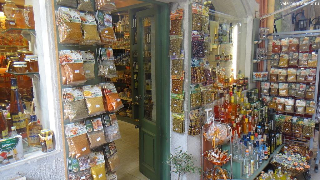 магазин в туристической части Керкиры