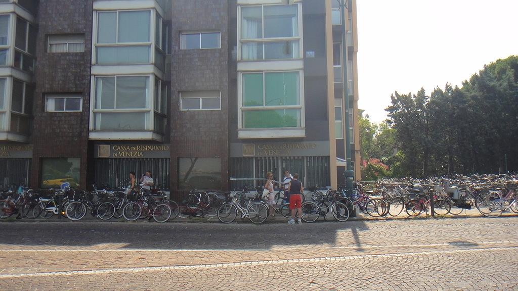 Велосипедная парковка, Лидо, Венеция