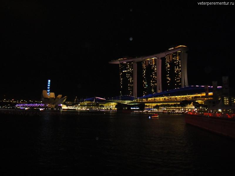 Сингапур, вечер у залива
