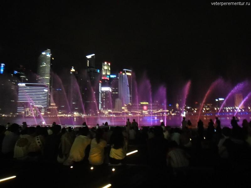 Лазерное шоу рядом с Marina Bay Sands, Сингапур