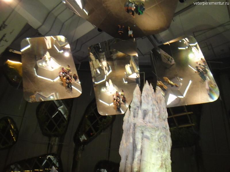Зеркала на потолке, Cloud Forest, Сингапур