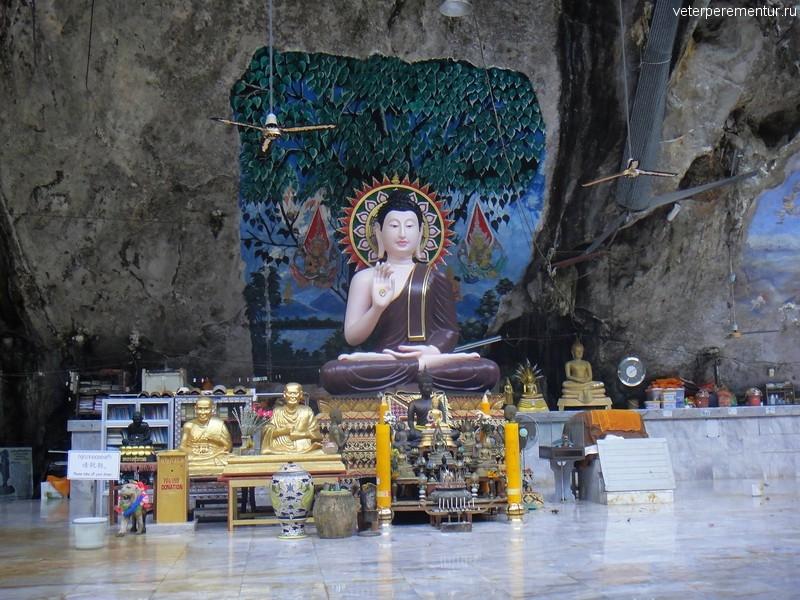 Место для молитв в лесу, храм Тигра, Таиланд