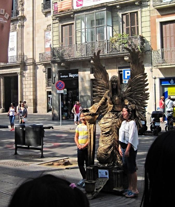 Живые статуи на Рамбла, Барселона