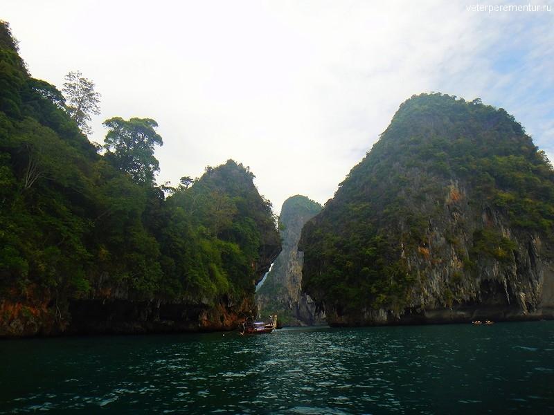 Вид на скалы с воды, Рейли, Таиланд