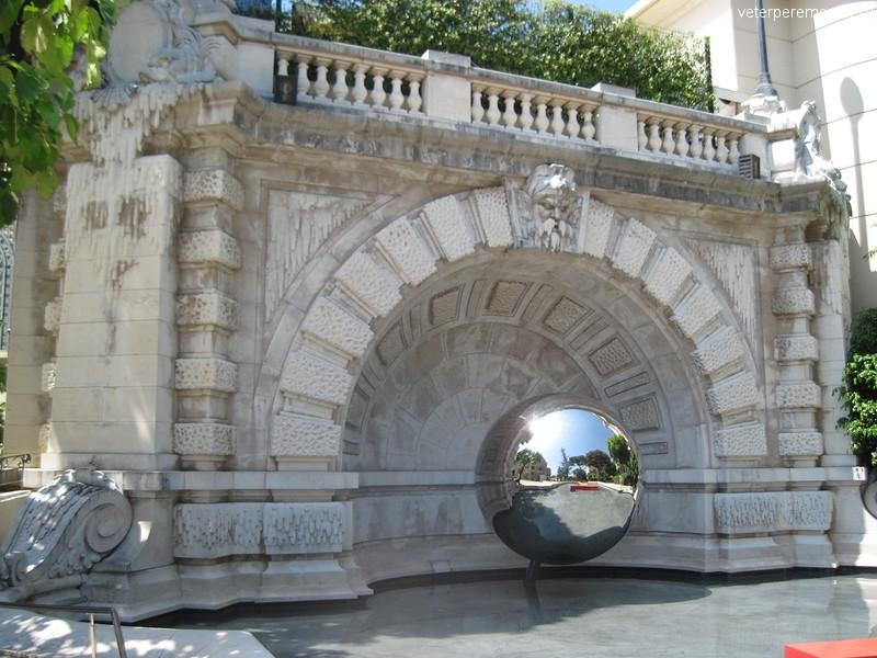 Шар в Монако