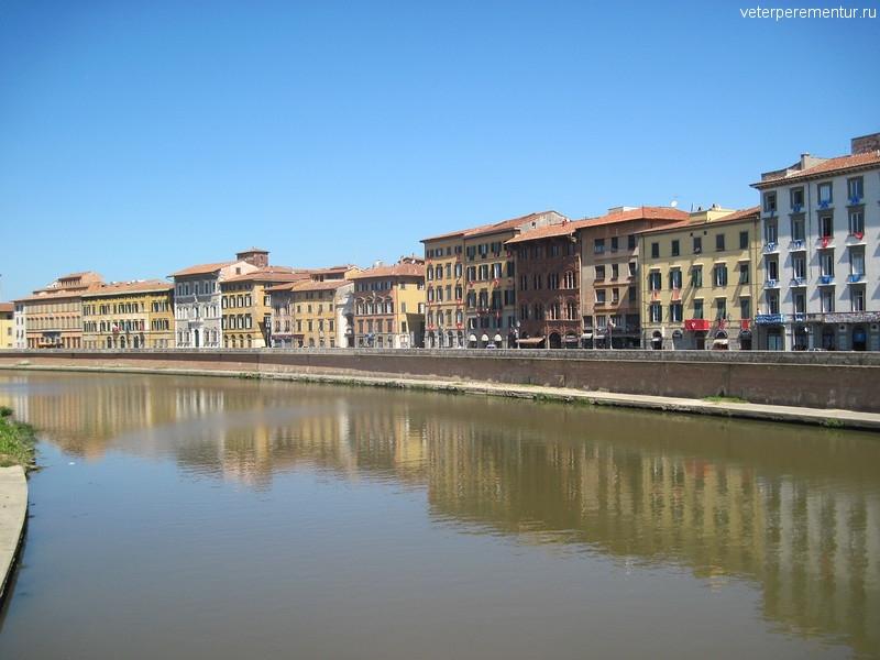 Река Арно, Пиза