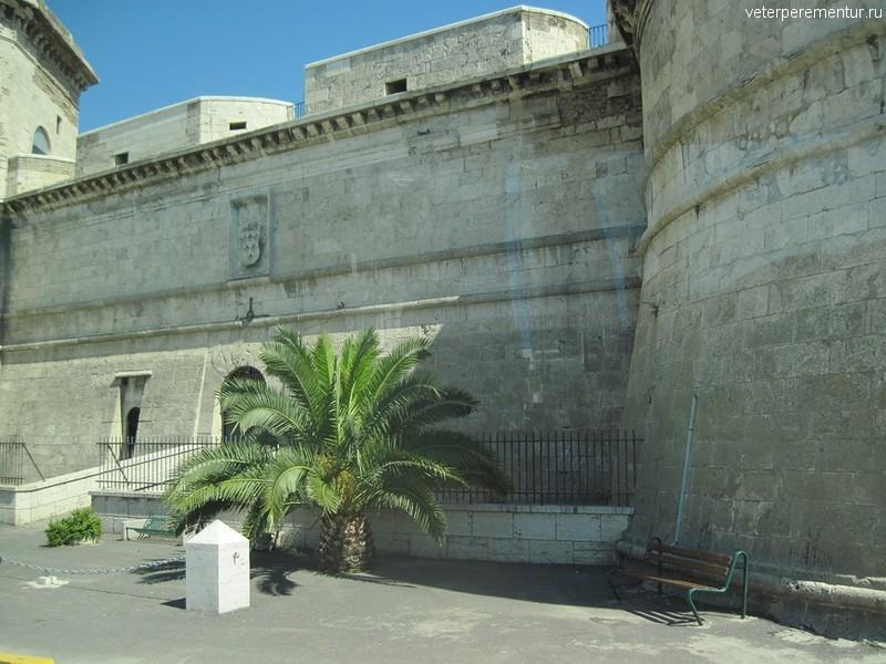 Крепость в Чивитавеккье, Италия