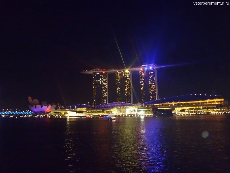 Marina Bay, лазерное шоу