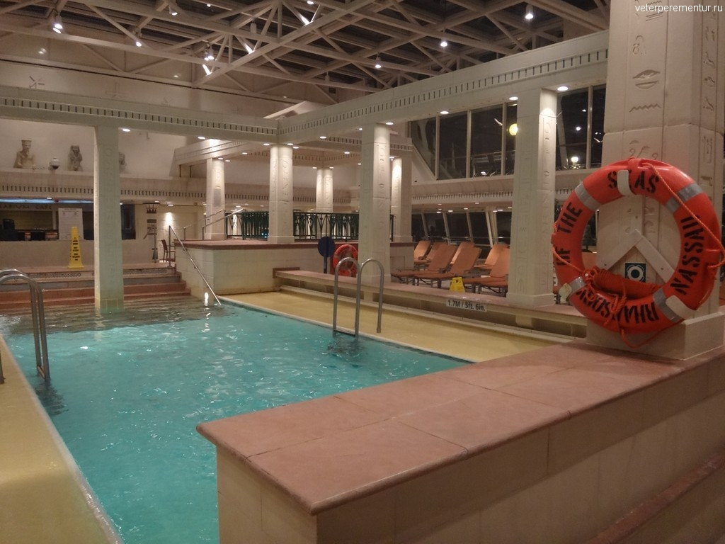 Rhapsody of the Seas, бассейн