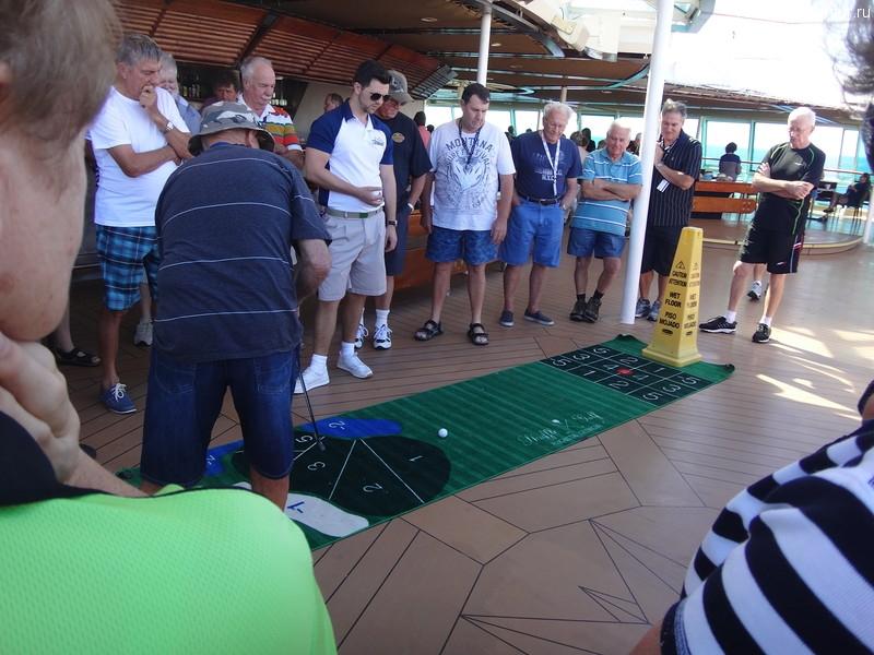 Rhapsody of the Seas, соревнования по мини-гольфу