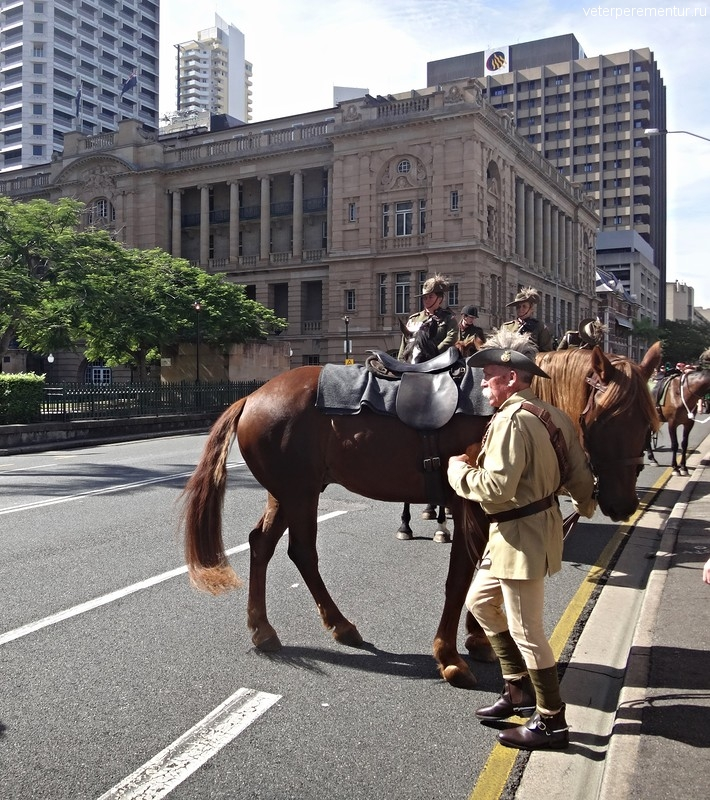 Брисбен (Brisbane), конница на улице