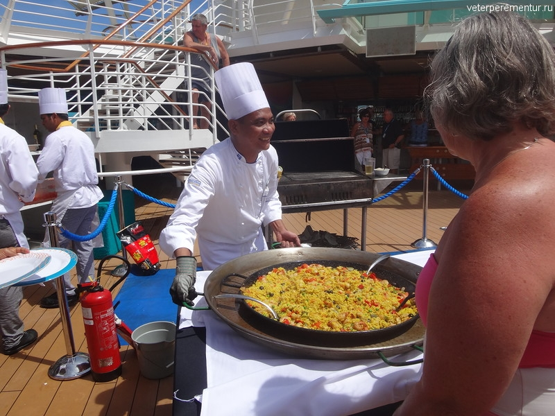 Rhapsody of the Seas, ланч на открытой палубе