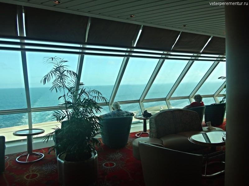 Rhapsody of the Seas, интерьеры