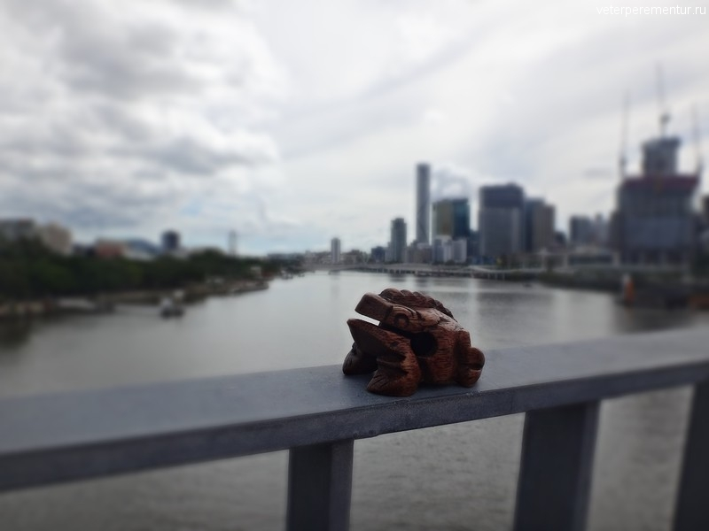 Брисбен, вид на реку с моста