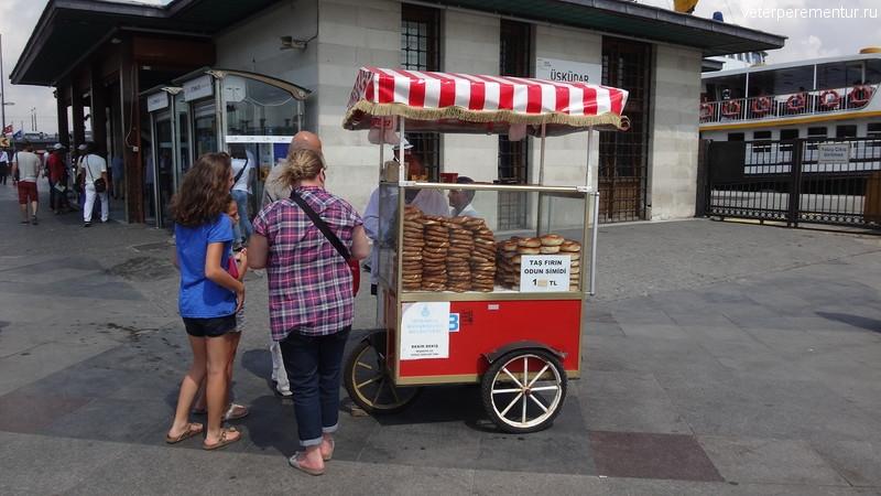 Продавец бубликов в Стамбуле