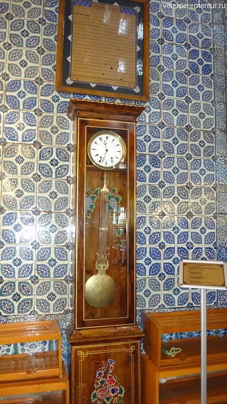 Часы в Новой мечети