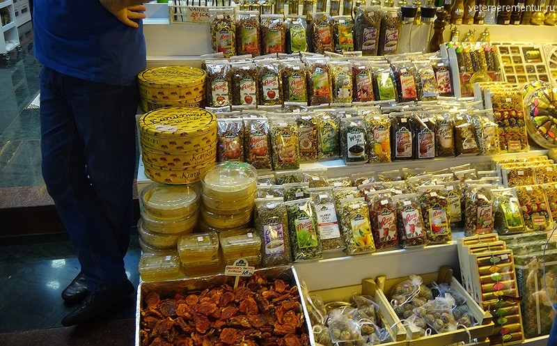 Специи на рынке в Стамбуле