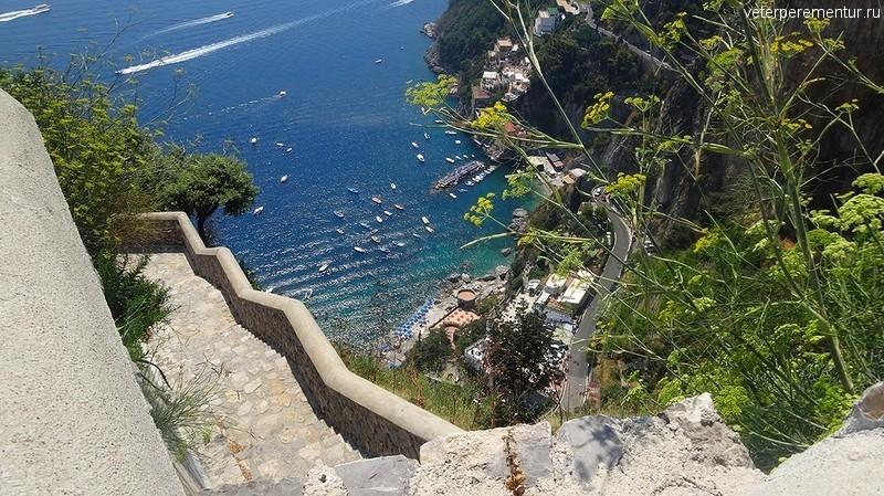 Виды на побережье Амальфи