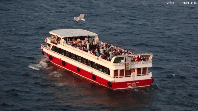 Прогулочные катера в Стамбуле