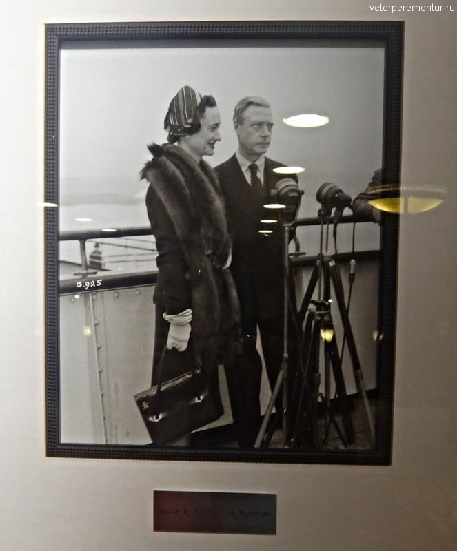 Queen Victoria, старинные фотографии на стенах