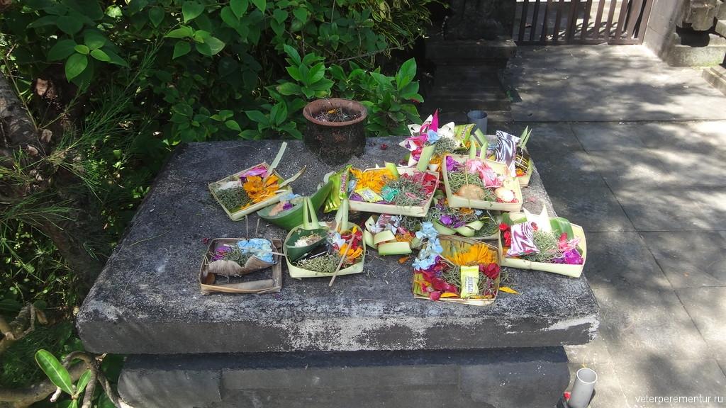 Чананг (canang) на Бали