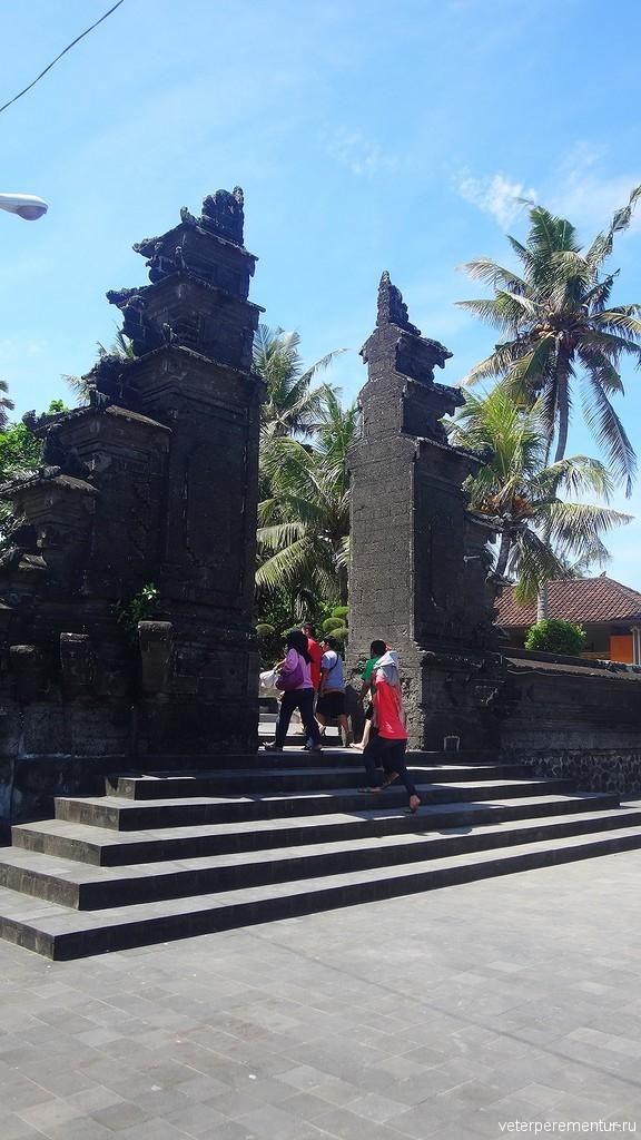 ворота Чанди Бентар (Candi Bentar), Бали