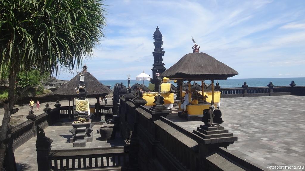 Бале на территории храма, Бали