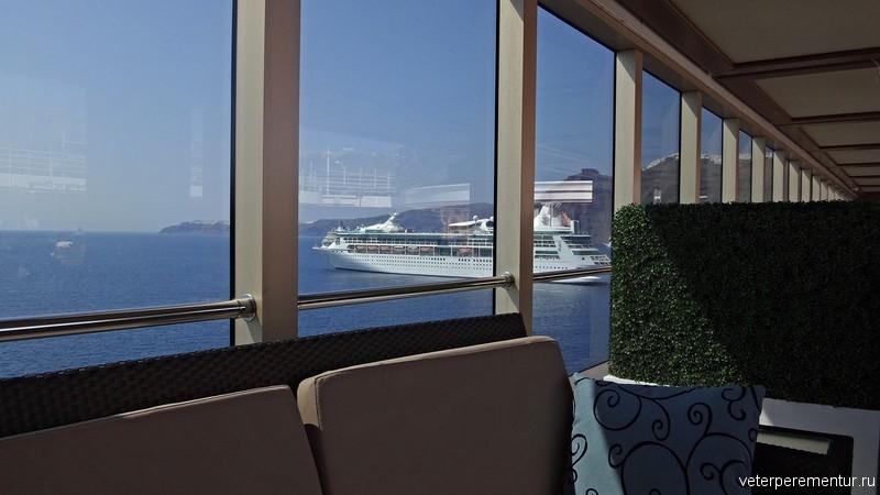 Вид с корабля на кальдеру, Санторини