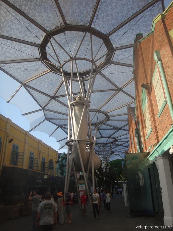 Гигантские вентиляторы на улице, Сингапур