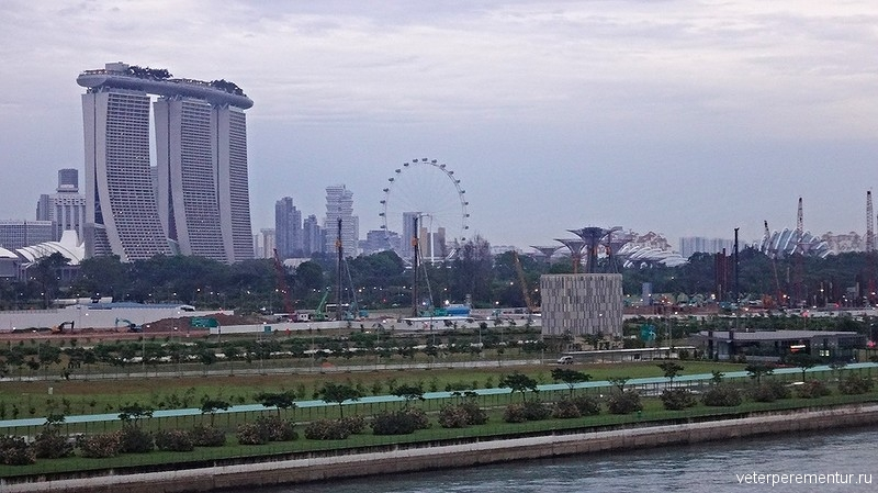 Сингапур, вид с борта корабля