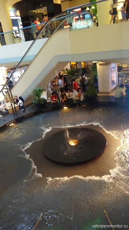 Танцующий фонтан в торговом центре, Сингапур